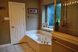 Gary H Bathroom Before - 5