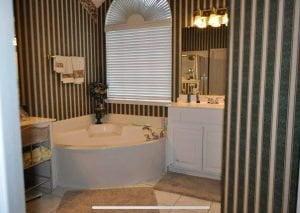 Deedie D Bathroom Before - 2